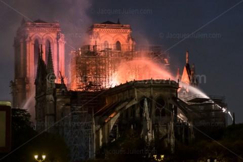 Notre-Dame de Paris cathedral on Fire – 04/15/2019