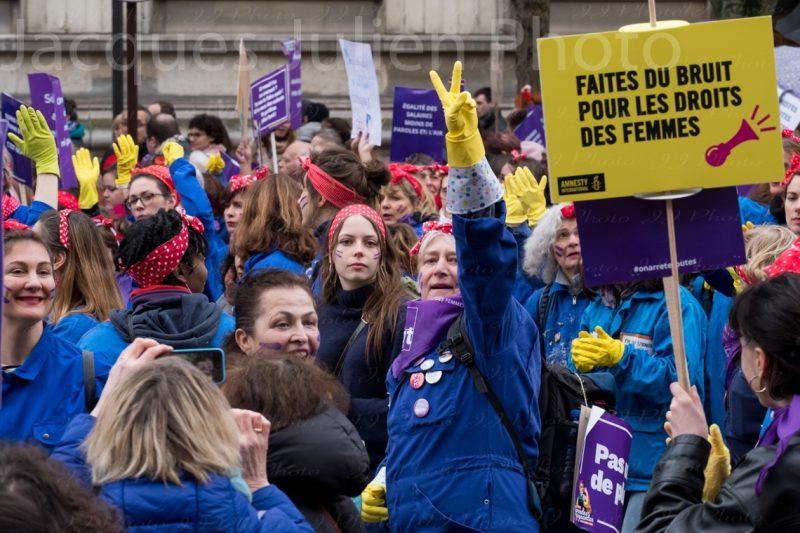 Demonstration feminist Paris Photo