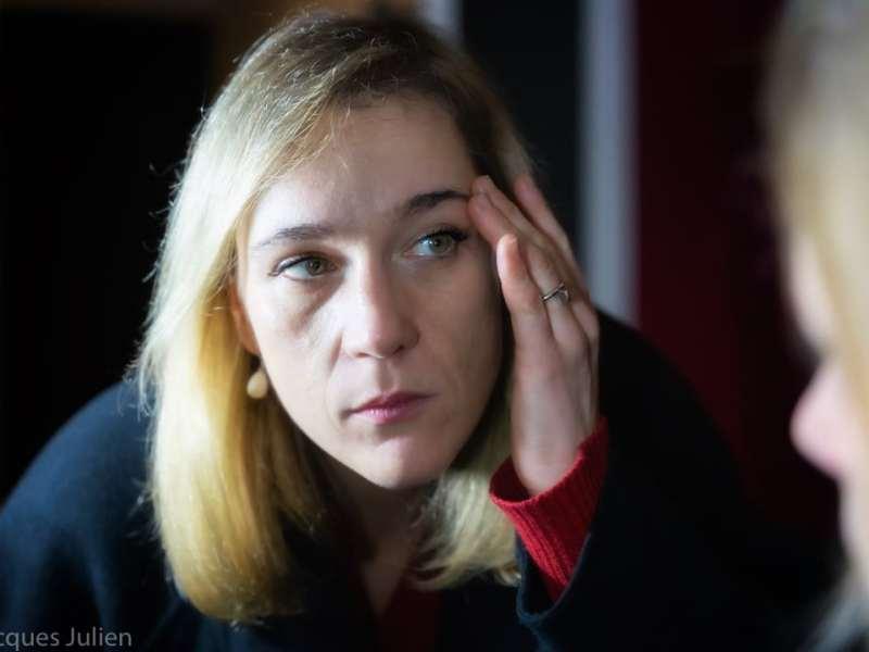 portrait femme Paris style David Lynch
